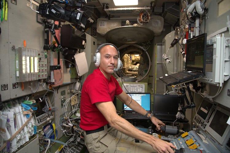 Luca training for Soyuz redocking