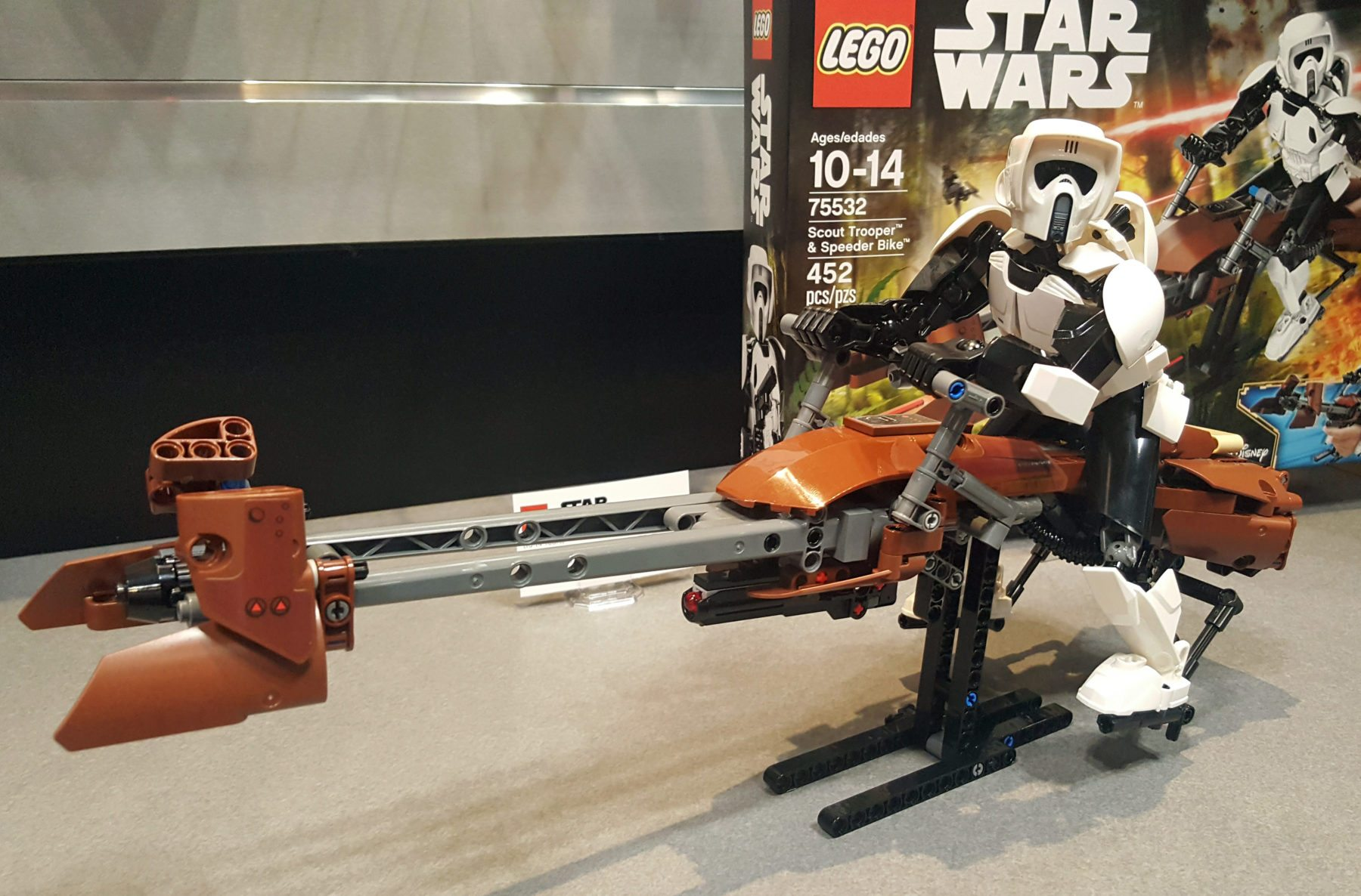 Lego Scout Trooper & Speeder Bike