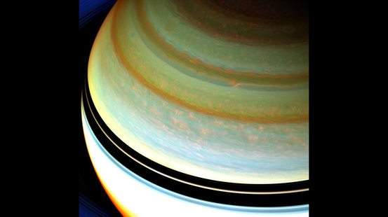 What is the helium-to-hydrogen ratio of Saturn's atmosphere?