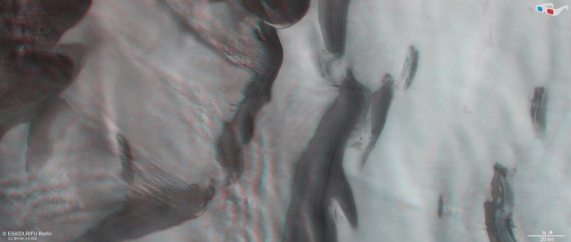 Mars' north polar ice cap in 3D