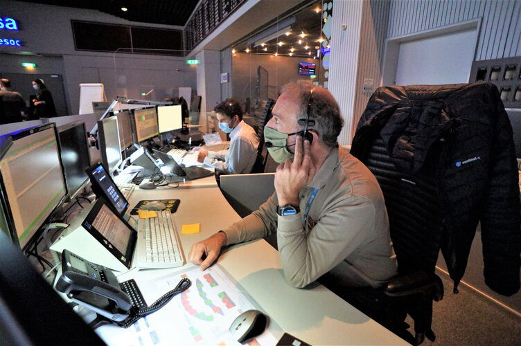 After countless simulations and a dress rehearsal, ESA's flight control team are ready for liftoff
